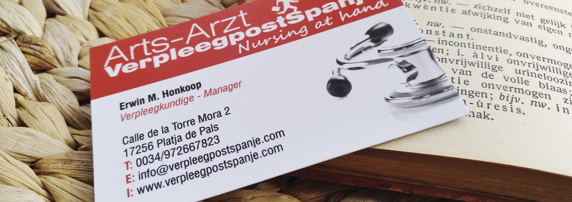 Stethoscoop op visitekaart van Erwin Honkoop, verpleegkundige en oprichter van VerpleegpostSpanje Nederlandse Huisartsenpraktijk in Begur Pals aan de Costa Brava